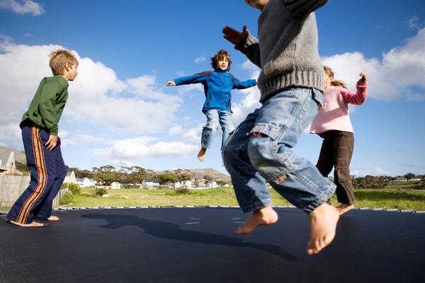 Фитнес на батуте для всей семьи